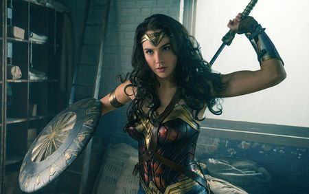 10 dieu thu vi ve nu anh hung Wonder Woman - Anh 1