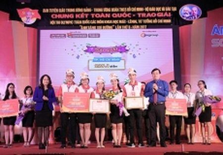 Doi tuyen TP Ho Chi Minh gianh ngoi quan quan Hoi thi 'Anh sang soi duong' - Anh 1