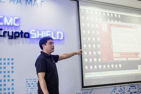 Clip WannaCry bo tay truoc 'thuoc dac tri' cua Viet Nam - Anh 1