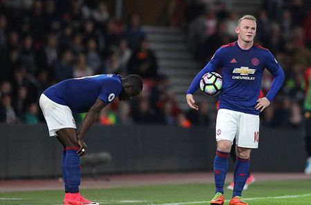 Mourinho dang phan boi lai lich su Man United? - Anh 2