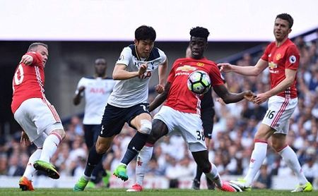 Mourinho dang phan boi lai lich su Man United? - Anh 6