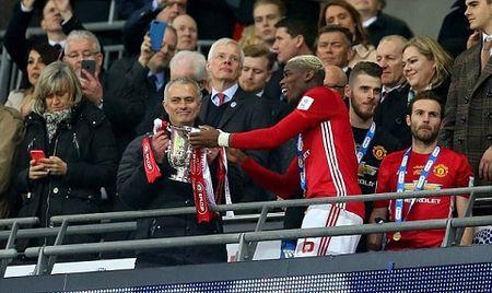 Mourinho dang phan boi lai lich su Man United? - Anh 7