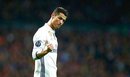 Sep Inter Milan gay soc khi tuyen bo thua tien de mua Ronaldo - Anh 2