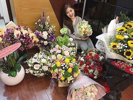 Chuyen showbiz: Minh Hang chia se hinh anh hoa... ky nu - Anh 16