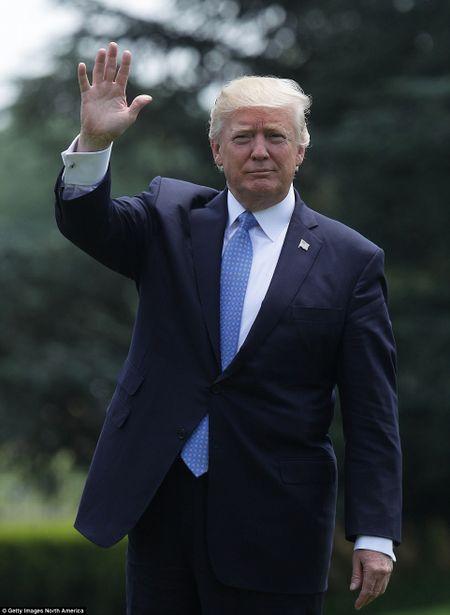 Vo chong Tong thong Trump len duong cong du nuoc ngoai - Anh 8