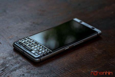 Tren tay Blackberry Keyone: ban ra vao cuoi thang 6, gia 15 trieu - Anh 2