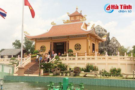 Tham Khu luu niem Bac Ho tai Nakhon Phanom - Anh 2