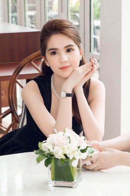 'Nu hoang noi y' Ngoc Trinh he lo co tinh yeu moi sau chia tay Hoang Kieu - Anh 1