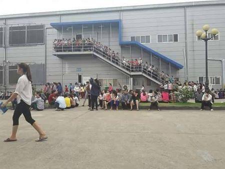 Vu hang tram cong nhan dinh cong duoi mua o Bac Giang: Nguyen vong cua nguoi lao dong da duoc dap ung - Anh 3