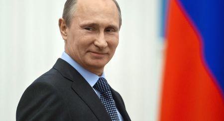 Nguoi Nga noi ve thanh tuu va that bai cua ong Putin - Anh 1