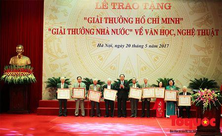 Trang trong le trao Giai thuong Ho Chi Minh, Giai thuong Nha nuoc ve Van hoc nghe thuat - Anh 2