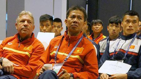 U20 Viet Nam duoc FIFA day cach... ne the - Anh 1