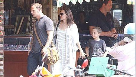 Khong co chuyen Angelina Jolie dinh tien xa voi tinh moi - Anh 2