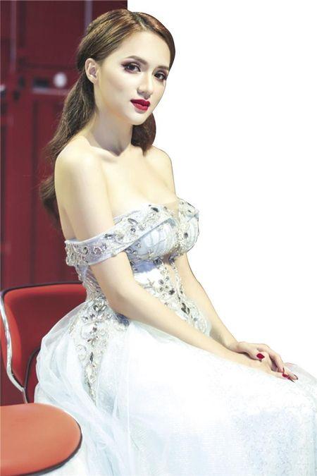"""""""Vu"""" Huong Giang Idol: Tu chuyen """"hon"""" den """"dao lam nghe"""" trong showbiz Viet - Anh 1"""