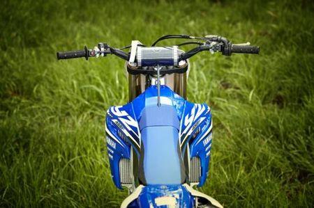 Yamaha gioi thieu mau xe moi co the dieu chinh bang dien thoai - Anh 6