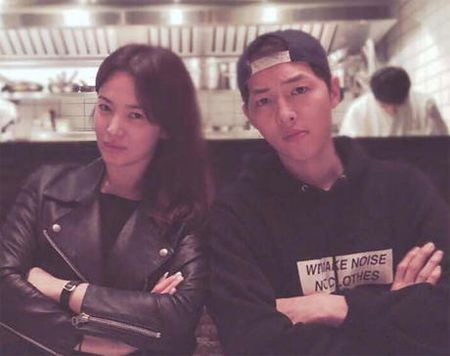 Song Hye Kyo noi ve tin hen ho qua dem voi phi cong tre - Anh 2