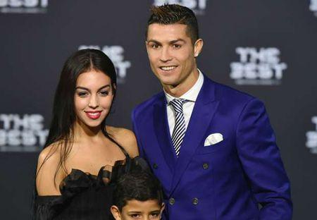 Top 10 nang WAGs boc lua nhat Real Madrid - Anh 10