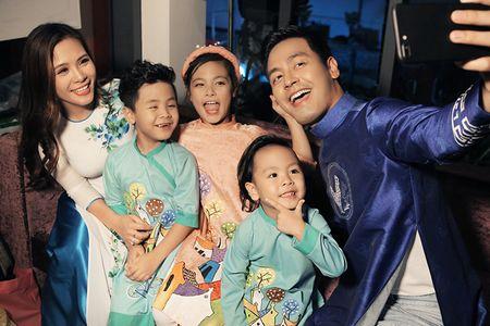 MC Phan Anh an can cham soc con gai lam mau nhi - Anh 5