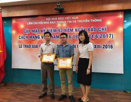 Lien chi hoi Nha bao Thong tin va Truyen thong trao giai bao chi 2016 - Anh 5
