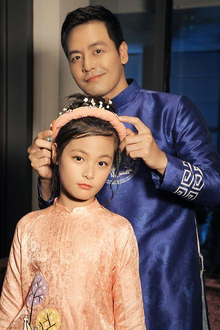 Be Bo nha Phan Anh cang lon cang xinh nhu hot girl - Anh 2