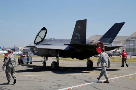 Thuong vu lich su 37 ty USD ban F-35 cho 11 quoc gia cua Lockheed Martin - Anh 1