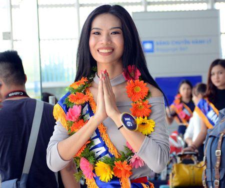 Den Tham my vien Thuy Linh de co voc dang chuan dong ho cat - Anh 1