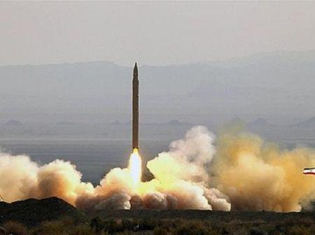He lo loai ten lua Iran moi dung de tan cong khung bo o Syria - Anh 1