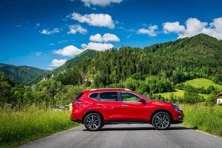 Nissan X-Trail 2017 nang cap voi che do lai ban tu dong - Anh 11