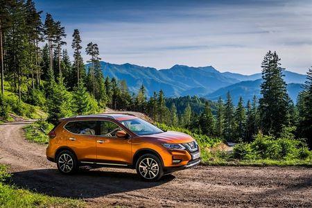 Nissan X-Trail 2017 nang cap voi che do lai ban tu dong - Anh 1