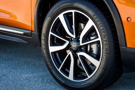 Nissan X-Trail 2017 nang cap voi che do lai ban tu dong - Anh 8