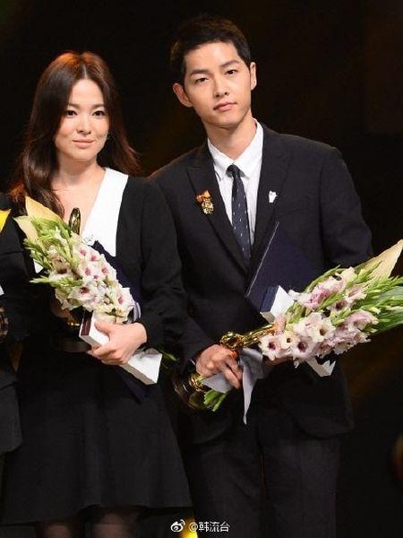 Song Joong Ki - Song Hye Kyo cung nhau den Bali, lan nua ro tin hen ho - Anh 6