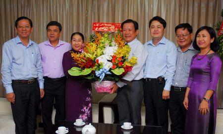 Lanh dao Thanh uy chuc mung bao Phap Luat TP.HCM - Anh 1