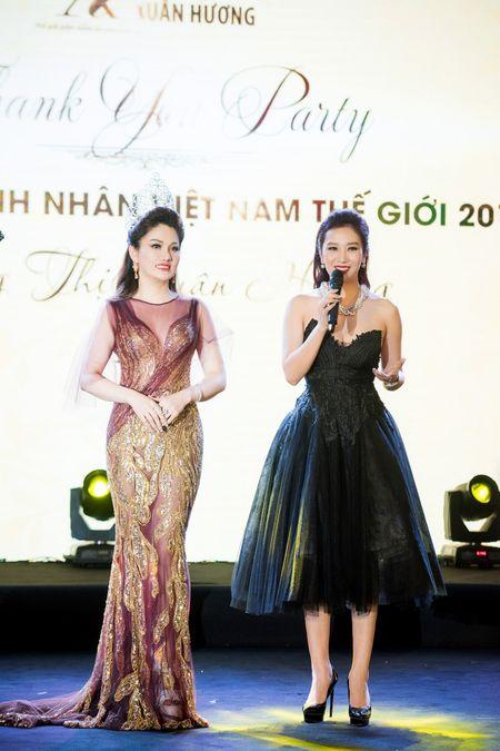 Dan nguoi dep tu hoi chuc mung Hoa hau Doanh nhan Viet Nam The gioi - Anh 6
