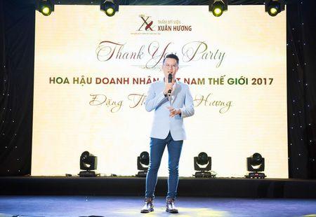 Dan nguoi dep tu hoi chuc mung Hoa hau Doanh nhan Viet Nam The gioi - Anh 9