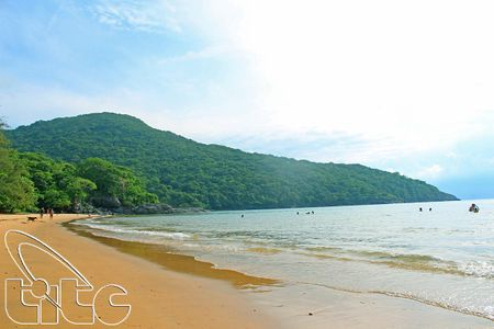 Kham pha ve dep hoang so bai Dam Trau - Con Dao - Anh 1