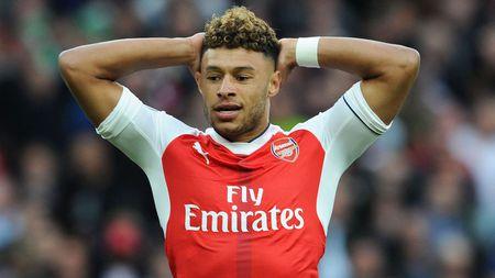 NONG: Chelsea gia nhap cuoc dua gianh sao Arsenal - Anh 1