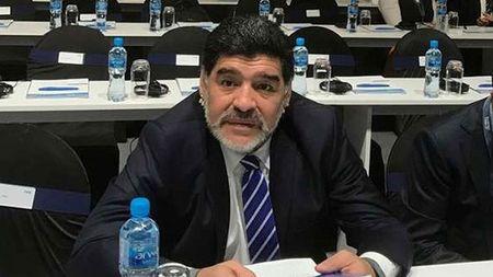 Maradona: Dani Alves la mot thang dan! - Anh 1