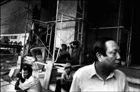 Cuoc song o Cho Lon nam 1991 qua anh Patrick Zachmann (2) - Anh 5