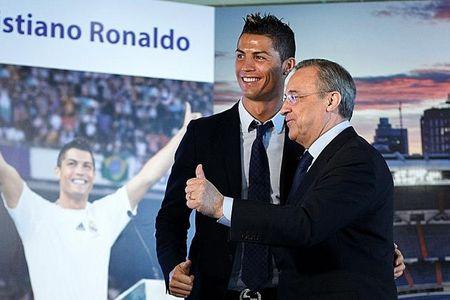Chu tich Real Madrid phu nhan tin don doi Ronaldo va Morata voi MU - Anh 1