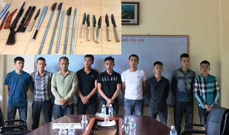 Bat giu 12 doi tuong tham gia no sung 'thanh trung' nhau tai Ha Tinh - Anh 2