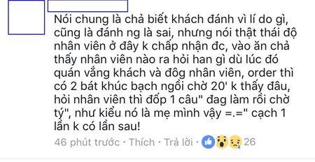 Cong dong mang xon xao vu khach hang lao vao danh chui nhan vien quan che tren pho Ha Noi - Anh 4