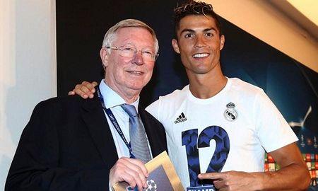 Ronaldo noi voi Alex Ferguson ve mong muon roi Real - Anh 1