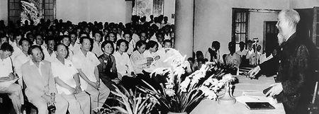 Hoc tap, lam theo tu tuong, phong cach bao chi Ho Chi Minh - Anh 2