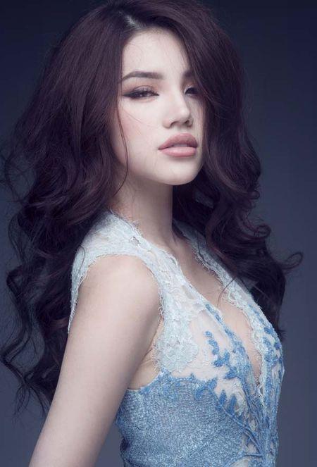 Jolie Nguyen khoe dang ngoc nga voi vay hang hieu 12.000 USD - Anh 9