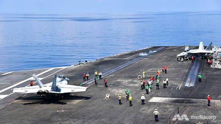 Cuoc song 'khong nhu mo' tren tau san bay My USS Ronald Reagan - Anh 1