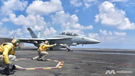 Cuoc song 'khong nhu mo' tren tau san bay My USS Ronald Reagan - Anh 2