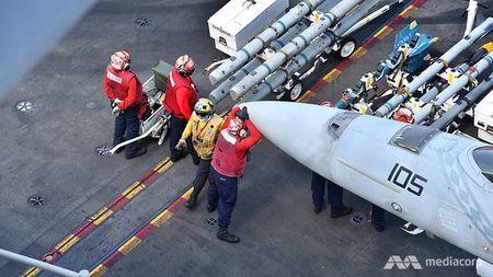 Cuoc song 'khong nhu mo' tren tau san bay My USS Ronald Reagan - Anh 6