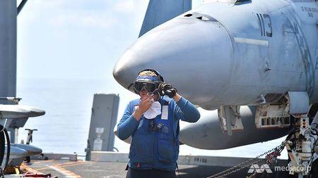 Cuoc song 'khong nhu mo' tren tau san bay My USS Ronald Reagan - Anh 9