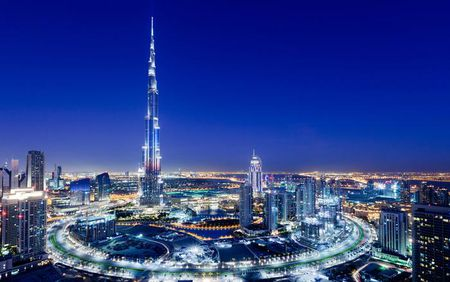 Vi sao ban co the ngam hoang hon 2 lan tren toa thap Burj Khalifa? - Anh 1