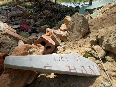 Quang Nam: Sai pham trong viec nang cap nghia trang liet si - Anh 4